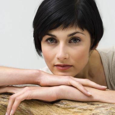 Coupe de cheveux pour femmes comment choisir celle qui nous convient trucs pratiques - Coupe menstruelle comment choisir ...